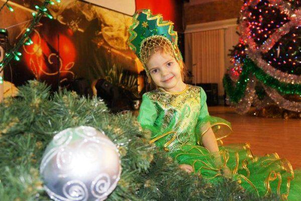 Новогодний костюм елочки для девочки фото