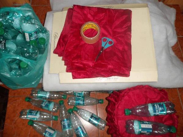 Пуфик своими руками из пластиковых бутылок фото 3