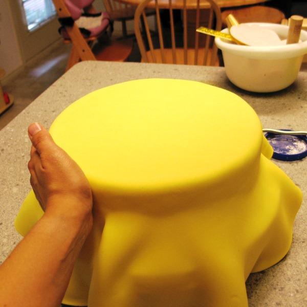 Украшаем торт мастикой в домашних условиях фото 7