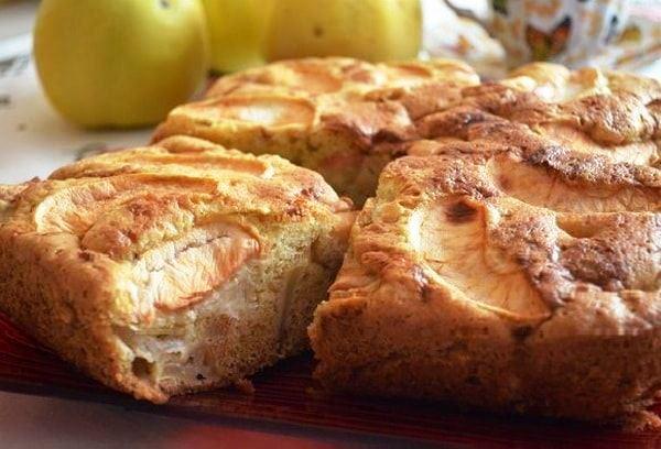 шарлотка с яблоками рецепт с фото 5