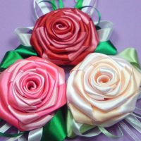 цветы из атласных лент фото 15