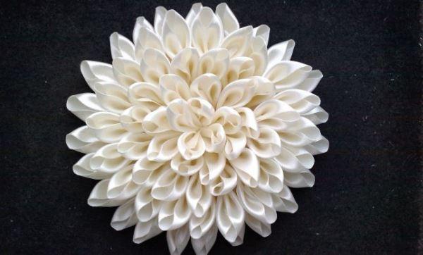 цветы из атласных лент фото 2