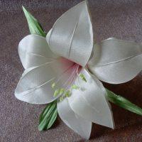 цветы из атласных лент фото 52