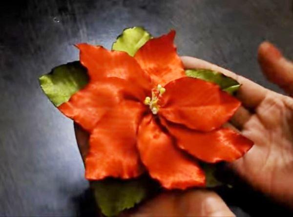 цветы из атласных лент фото 9