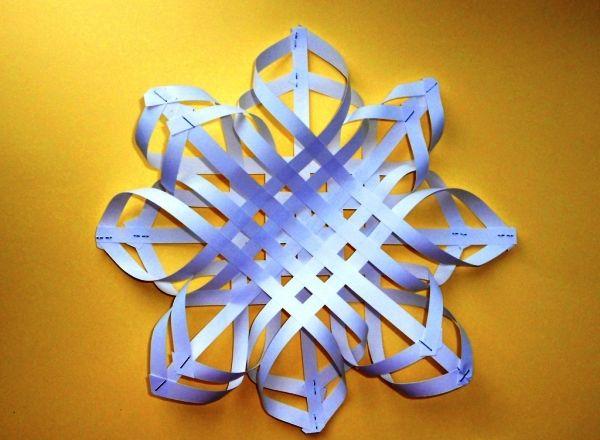 объемная снежинка из бумаги фото 9