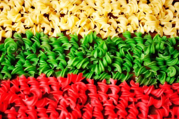 поделки из макарон своими руками фото 4