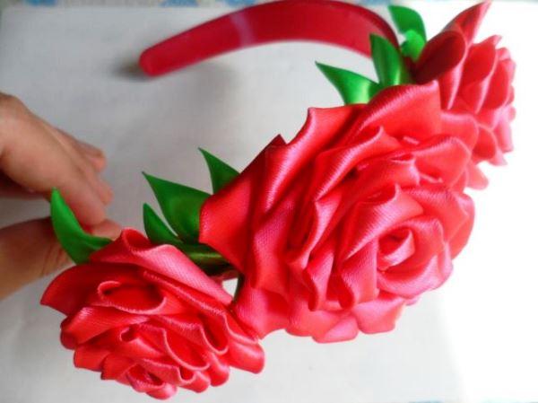 цветы из атласных лент фото 11