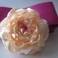 цветы из атласных лент фото 28